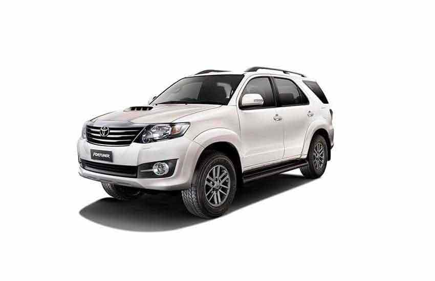 Vehicle Toyota Fortuner old for rent in Samui